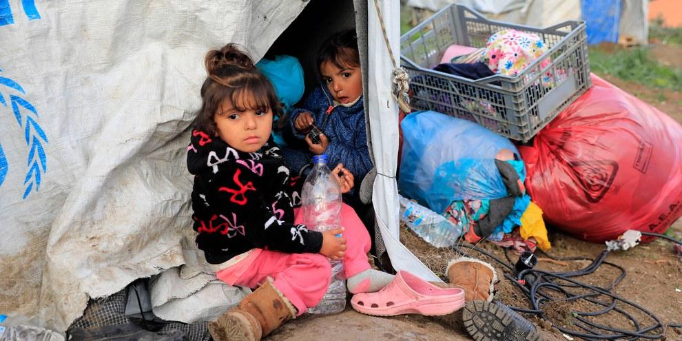 La majorité des personnes demandant l'asile sont des familles, dont de nombreux enfants et bébés. © Giorgos Moutafis/Amnesty International