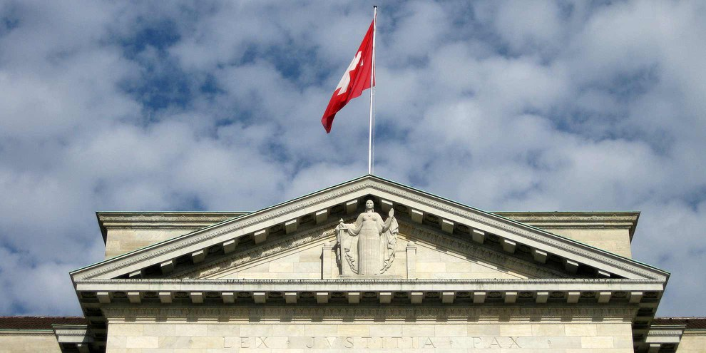 En novembre 2010, le peuple et les cantons acceptaient l'initiative sur le renvoi des étrangers délinquants. © Norbert Aepli