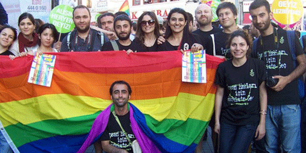 Activistes d'Amnesty Internation Section turque, Istanbul Pride 2011. © AI