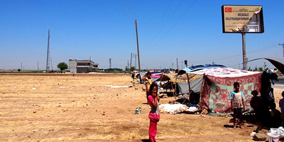 Les capacités d'accueil dans les camps de réfugiés turcs, comme ici à Akçakale, ont atteint leur limite. © AI