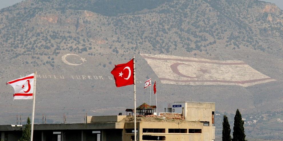 Un projet de loi déposé au parlement turc permettrait dans certains cas, d'annuler la condamnation d'une personne pour agression sexuelle sur mineur si l'agresseur épouse sa victime.© Press Association/AP/Petros Karadjias