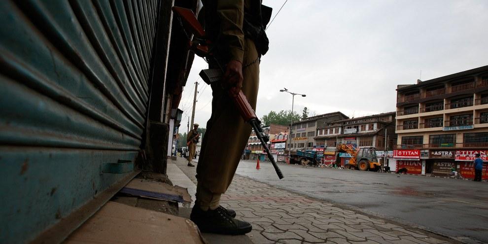 Les couvre-feux imposent aux habitants de rester confinés dans leurs maisons pendant plus d'un mois. © SHOME Basu