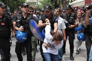 La répression asphyxie la société civile