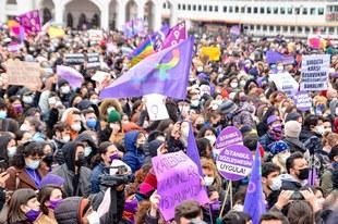 Des femmes du monde entier s'opposent à la décision de quitter la Convention d'Istanbul