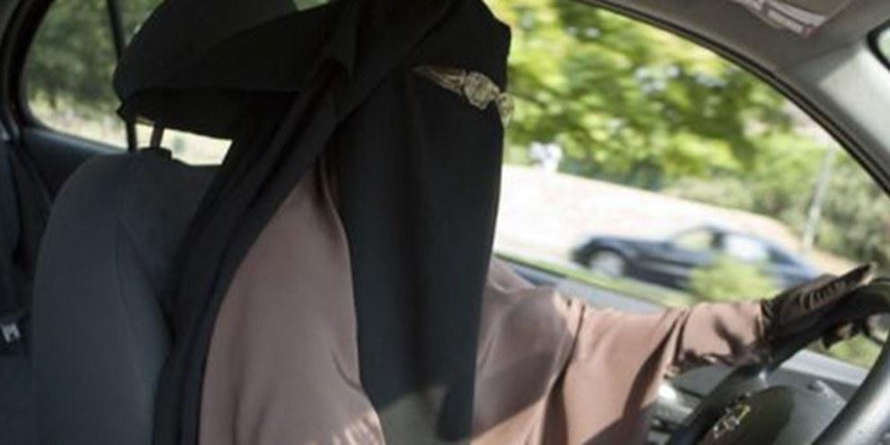 Le gouvernement saoudien a fait une loi de la coutume interdisant aux femmes de conduire. © DR