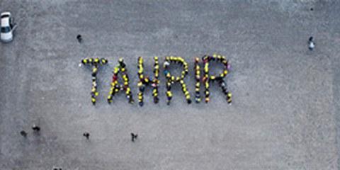 «Tahrir» signifie libération en arabe: action d'Amnesty à Berne le 11 février 2012. Photographié depuis la Tour de Münster. © Susanne Keller
