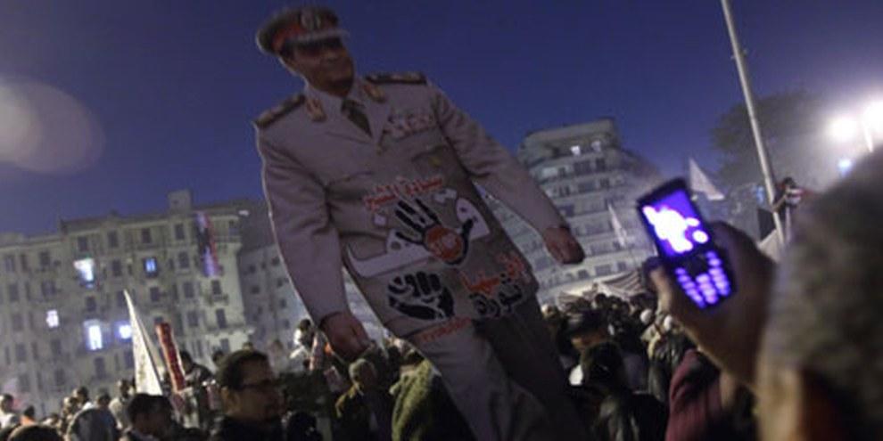 Protestation contre le Conseil supérieur des forces armées. © Mohamed Ali Eddin/Demotix