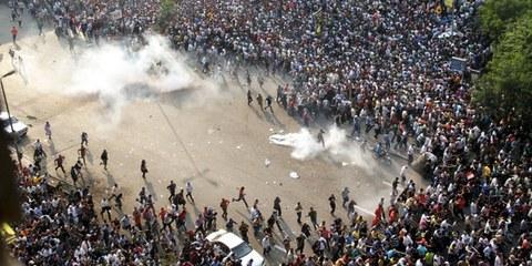 Caire: en octobre 2013, une manifestation pro-Morsi avait été dispersée au moyen de gaz lacrymogènes. © AHMED GAMEL/AFP/Getty Images
