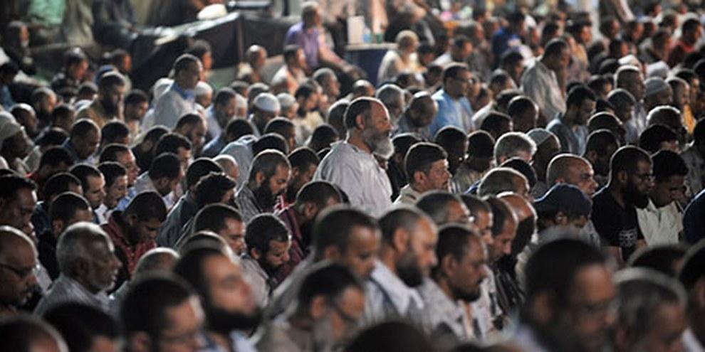 Même des manifestations pacifiques seront soumises à cette loi très restrictive, qui interdit notamment leur déroulement devant des lieux de culte. © FAYEZ NURELDINE/AFP/Getty Images