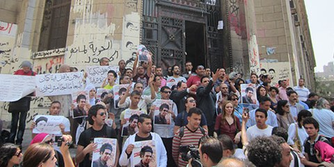 La loi sur les manifestations, adoptée en novembre 2013 érige en infraction le simple fait de descendre dans la rue sans autorisation préalable. © Amnesty International