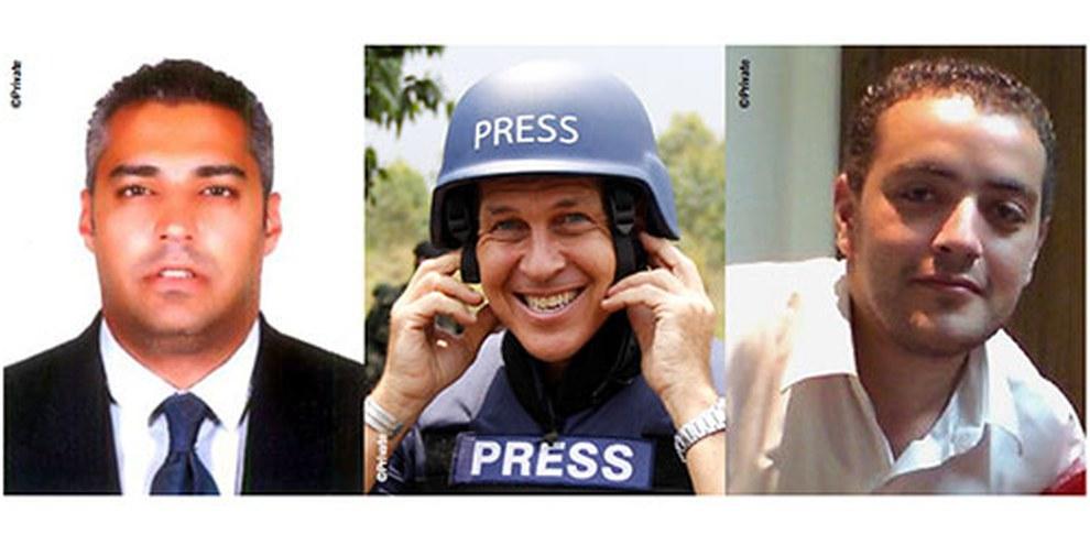 Peter Greste (au milieu) a été libéré, alors que ses deux collègues Mohamed Fahmy (à gauche) et Baher Mohamed (à droite) sont toujours derrière les barreaux. © DR.