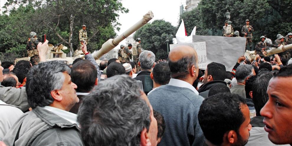 Des véhicules blindés de transport de troupes fournis par la France ont été utilisés par les forces de sécurité égyptiennes dans le but d'écraser l'opposition. © Shutterstock