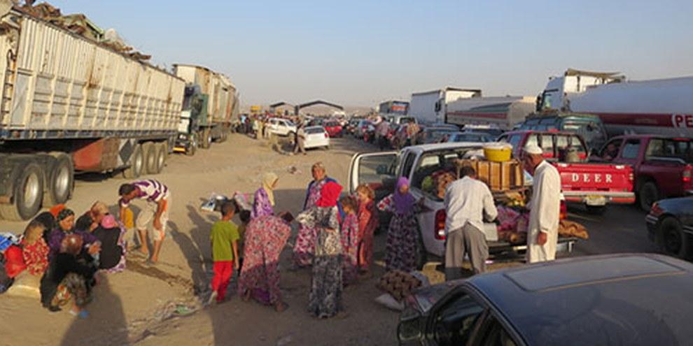 Des milliers de personnes ont fui les combats, certains originaires de la ville de Sinjar. © AI
