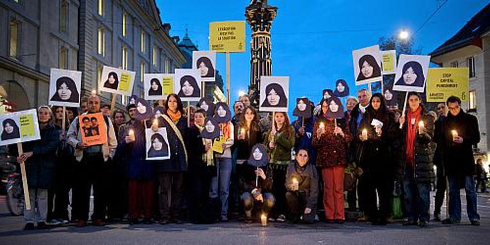 Près de 100 personnes ont manifesté contre l'exécution de Sakineh Ashtiani. © Susanne Keller