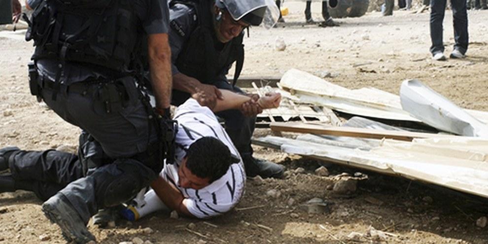 La police israélienne s'en était prise à une minorité bédouine à El Araqib et détruit les abris qu'elle avait construits  © Silvia Boarini / Demotix Images