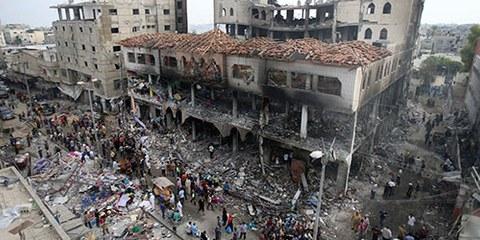 Un centre commercial en ruines, suite aux attaques israéliennes sur Rarfah au Sud de la bande de Gaza en août 2014. © REUTERS/Ibraheem Abu Mustafa