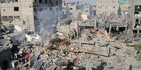 Un an après le conflit, les autorités israéliennes n'ont pas mené d'enquête crédible sur les violations du droit international humanitaire à Gaza. © Ibraheem Abu Mustafa