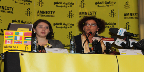 Amnesty International Algérie remet la pétition au Premier Ministre. Novembre 2014© AI
