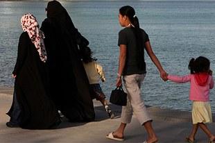 Employées de maison migrantes victimes d'abus, de travail forcé et de violence