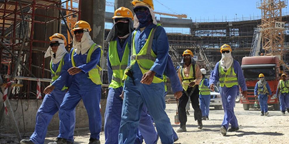 L'émirat n'a pas fait d'effort significatif pour améliorer la condition des travailleurs migrants sur les chantiers de la future coupe du monde de football. © EPA
