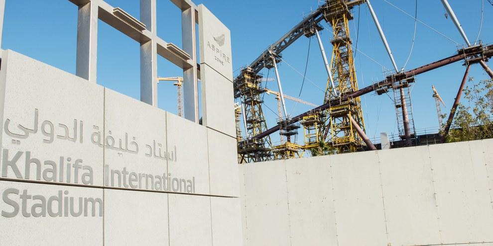 Les ouvriers migrants travaillant sur les chantiers de rénovation du stade Khalifa sont victimes de graves abus. © Amnesty International