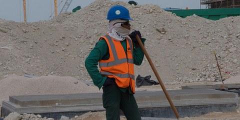 Un ouvrier sur un des chantiers de la Coupe du Monde 2022  ©Amnesty International