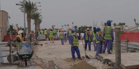 Les travailleurs migrants au Qatar sont exploités et ont des difficultés à se faire rémunérer, dénonce Amnesty dans un nouveau rapport.©AI