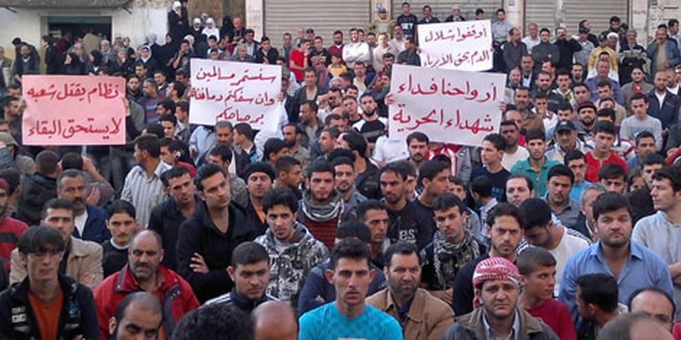 Les personnes qui manifestent prennent des risques énormes. © Jasmine Syria/Demotix