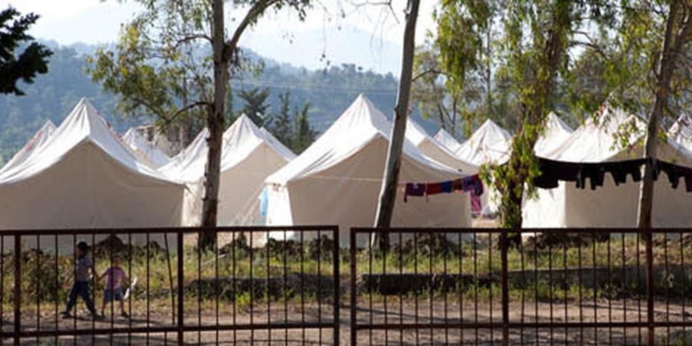 Le camp de Yayladağı dans la province de Hatay en Turquie, qui accueille les réfugié·e·s syrien·ne·s. | © Jonathan Lewis