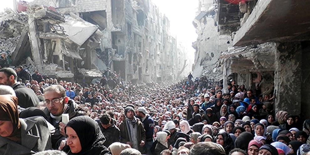 Dix-huit mille civils sont toujours assiégés à Yarmouk. Le siège impitoyable mis en place par le gouvernement en juillet 2013 a débouché sur une véritable catastrophe humanitaire. © unrwa.org