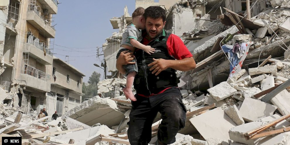 D'après les informations parues dans les médias, une flotte de navires de guerre russes a navigué ces derniers jours jusqu'à Lattaquié, signe que les forces syriennes et russes préparent un assaut final pour prendre le contrôle de la ville. © AMEER ALHALBI/AFP/Getty Images