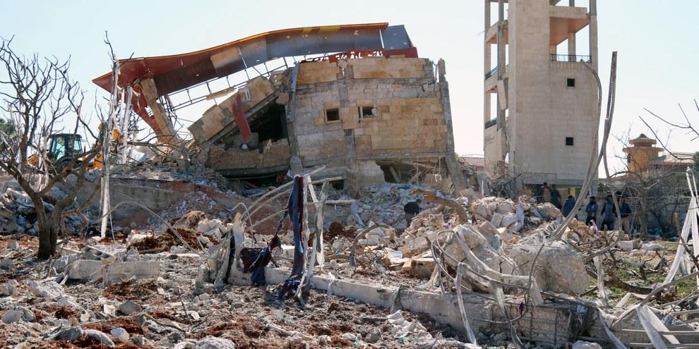 Les décombres de l'hôpital géré par Médecins Sans Frontières, attaqué le 15 février 2016 près de Ma'arrat al-Numan, en Syrie. © STRINGER/AFP/Getty Images