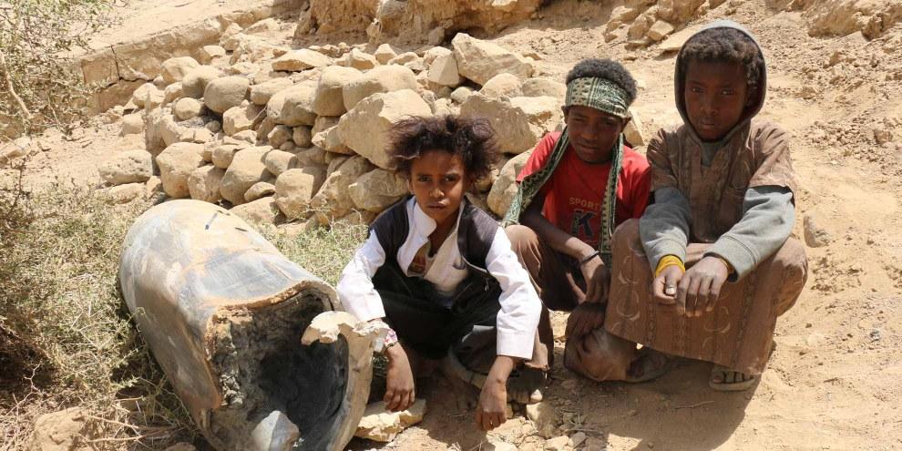 Les adolescents, âgés de 15 à 17 ans, ont été recrutés dans la capitale, Sanaa, par des combattants du groupe armé houthi. © Amnesty International
