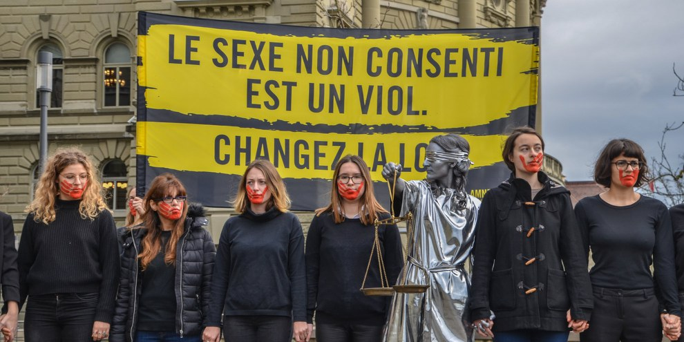 Remise de la pétition contre les violences sexuelles le 28 novembre 2019 © Amnesty International