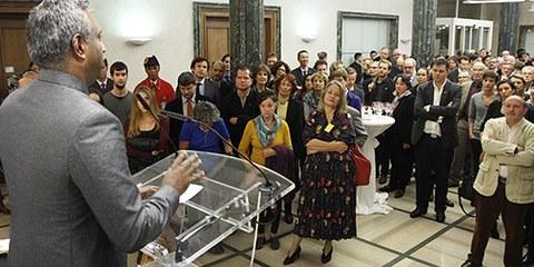 Près de 250 personnes sont venues assister à l'inauguration des nouveaux locaux d'Amnesty à Genève en présence du Secrétaire général, Salil Shetty. © Samuel Fromhold