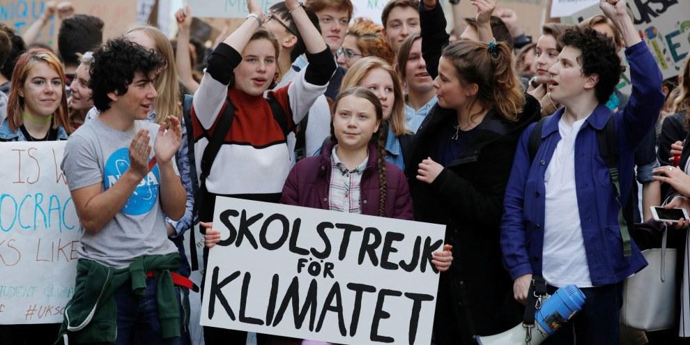 La militante suédoise pour l'environnement Greta Thunberg participe à Paris à une manifestation réclamant des mesures urgentes pour lutter contre le changement climatique. © REUTERS/Philippe Wojazer