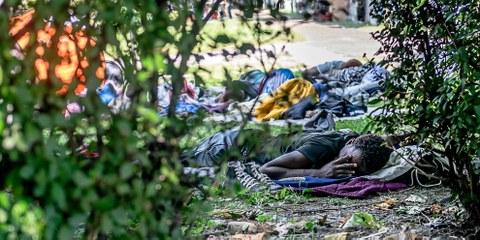 Les autorités suisses ont procédé à des milliers de renvois forcés illégaux vers l'Italie en 2016. © Klaus Petrus