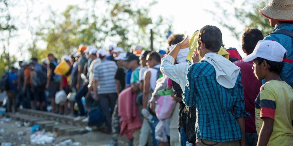 Réfugiés coincés à Ici à Idomeni, en Grèce, à la frontière avec la Macédoine. © Richard Burton/Amnesty International