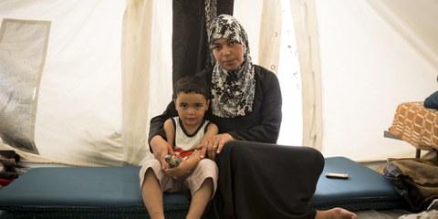 La pauvreté et l'insécurité dans lesquelles de nombreuses personnes réfugiées se retrouvent dans des pays comme le Liban et la Libye accroissent le risque d'exploitation sexuelle et de violence. © Amnesty International (Photo: Richard Burton)