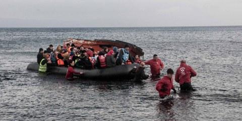 «Si l'UE suspend ses opérations de sauvetage en Méditerranée, des dizaines de milliers de personnes se retrouveront alors bloquées en Libye, un pays ravagé par le conflit, exposées au risque d'être torturées et exploitées.  © Amnesty International