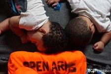 121 personnes bloquées en mer