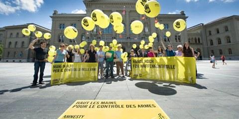 Action lors de la remise de la pétition. © Valérie Chételat