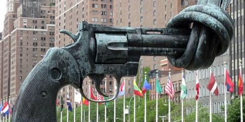 Après un mois de négociations à l'ONU, les grandes puissances mondiales ont repoussé la ratification d'un traité sur le commerce des armes. © Mira66