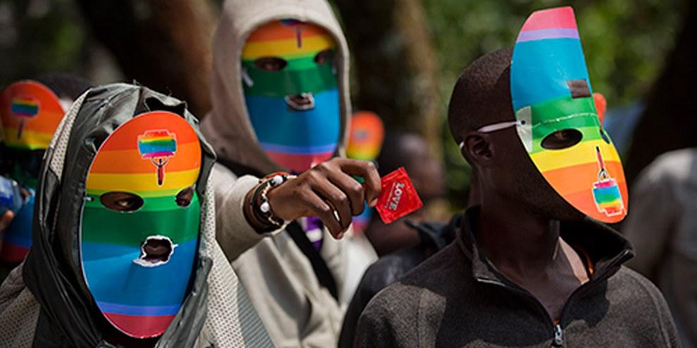 Trois lois discriminatoires envers les personnes LGBTI ont été adoptées en Ouganda.  © AP Photo/Ben Curtis