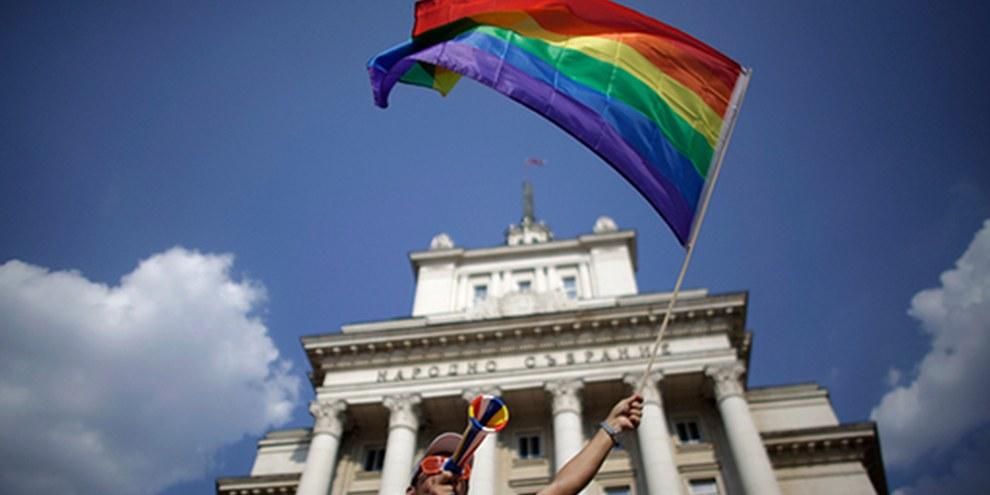 En 2014, les droits des personnes LGBTI sont encore bafoués dans de nombreux pays. © REUTERS/Stoyan Nenov