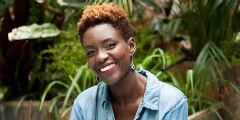 La journaliste, autrice et réalisatrice française Rokhaya Diallo, spécialiste des réflexions sur l'égalité raciale, de genre et religieuse est l'invitée du réseau Droits des femmes. ©Brigitte Sombié