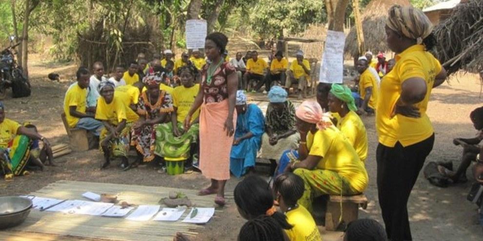 Workshop sur les mutilations génitales féminines en Sierra Leone. © AI