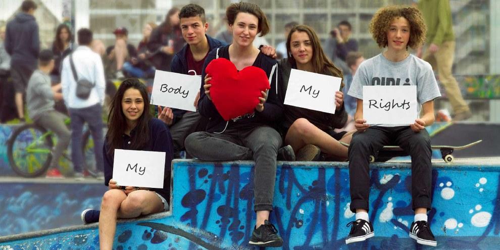 Groupe de jeunesse pour la campagne MY BODY MY RIGHTS en Belgique. © Amnesty International