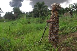Des militants d'Amnesty International mettent au jour les graves négligences des géants pétroliers Shell et Eni