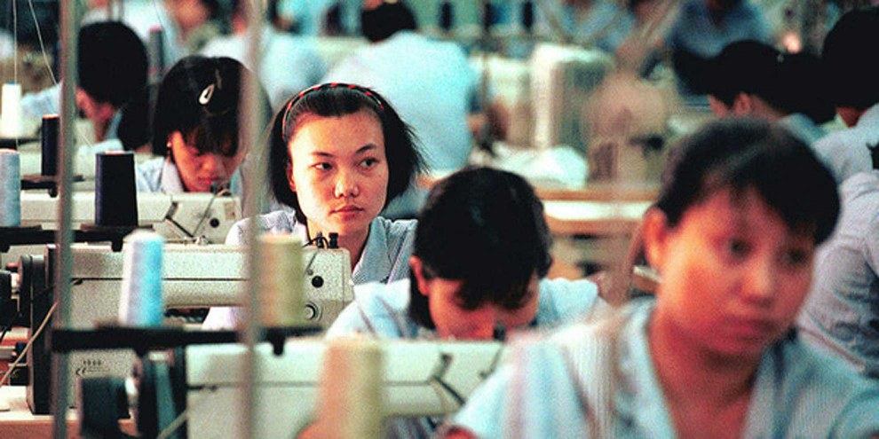 Couturières dans une usine au Vietnam.
